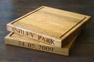 square-personalised-wooden-cheese-boards-makemesomethingspecial.co.uk