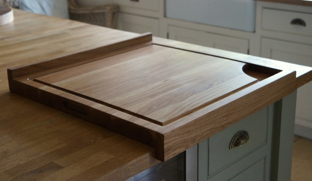 chopping-board-with-overhang-lip-makemesomethingspecial.com