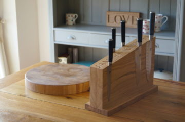 magnetic-oak-knife-stand-makemesomethingspecial.co.uk