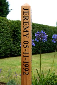5th-wedding-anniversary-sign-post-makemesomethingspecial.co.uk