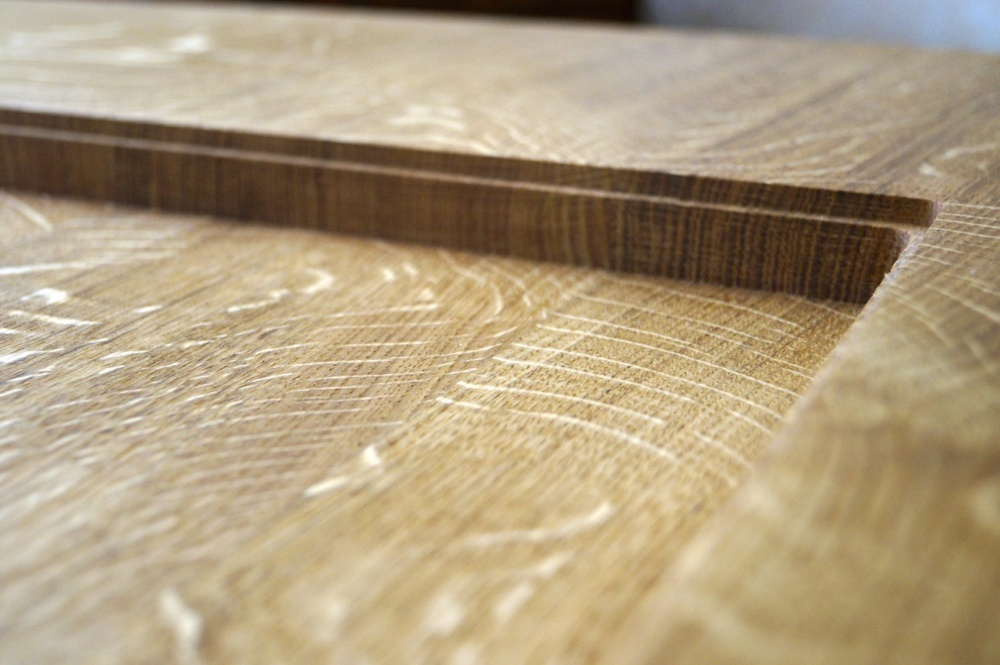 carved-wooden-coffee-table-makemesomethingspecial.co.uk