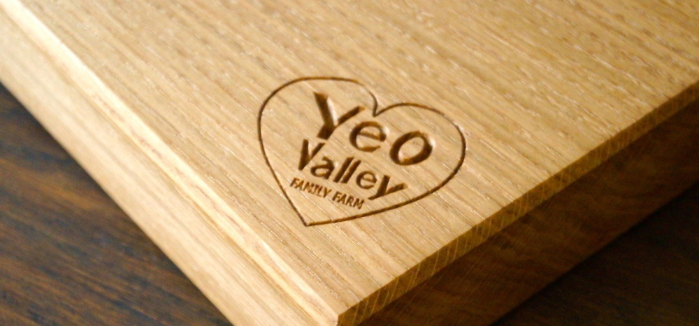 engraved-oak-chopping-board
