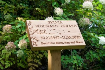 personalised-oak-grave-markers