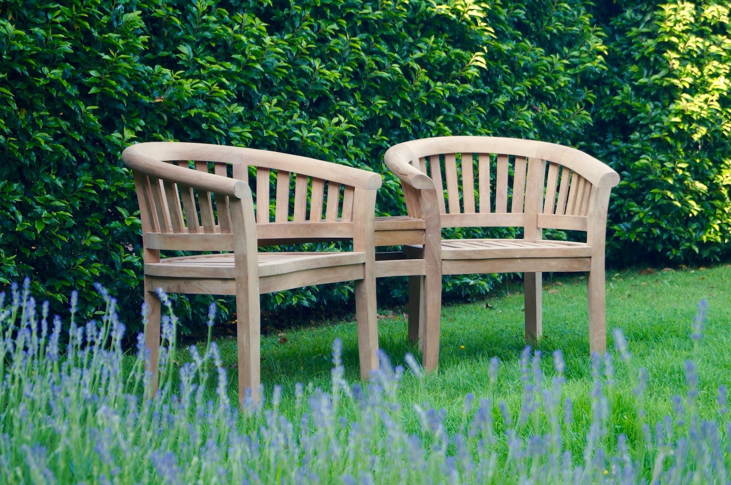 wooden-love-seat-makemesomethingspecial.com