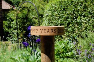 personalised-oak-bird-feeder-table