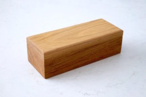 domino-oak-box-makemesomethingspecial.com
