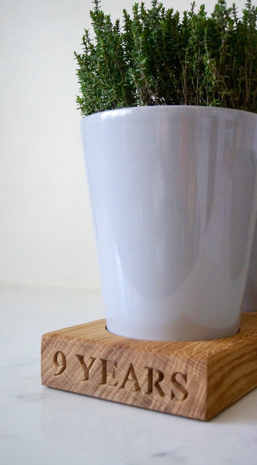 engraved-wooden-herb-pot-stand-makemesomethingspecial.com