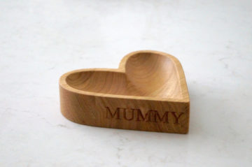 mothers-day-personalised-wooden-gifts-makemesomethingspeical.com