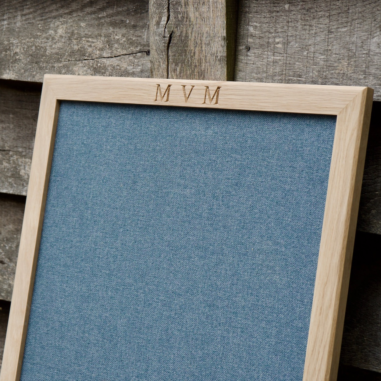 engraved-fabric-pin-board