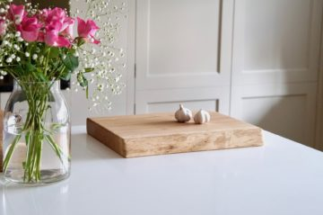 live-edge-oak-chopping-boards